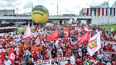 Demonstration in Brasília am 24.5.2017 gegen Pläne zur Rentenreform und einer Beschneidung von Arbeitsrechten